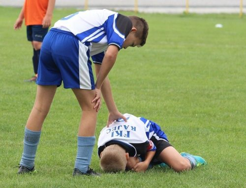 First Aid For 3 Common Sports Injuries: A Guide