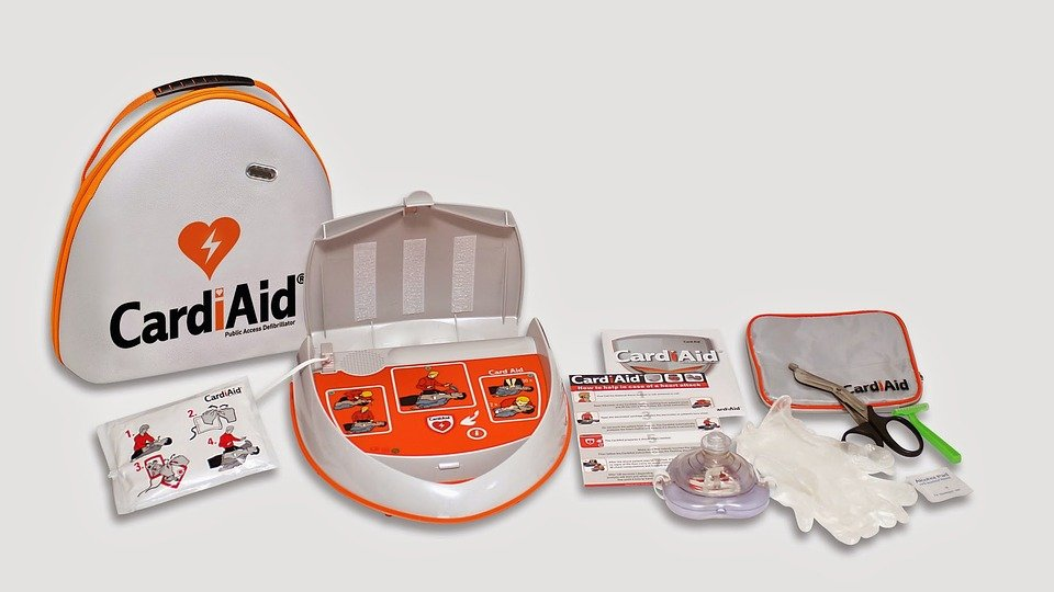 AED kit with all the essential tools